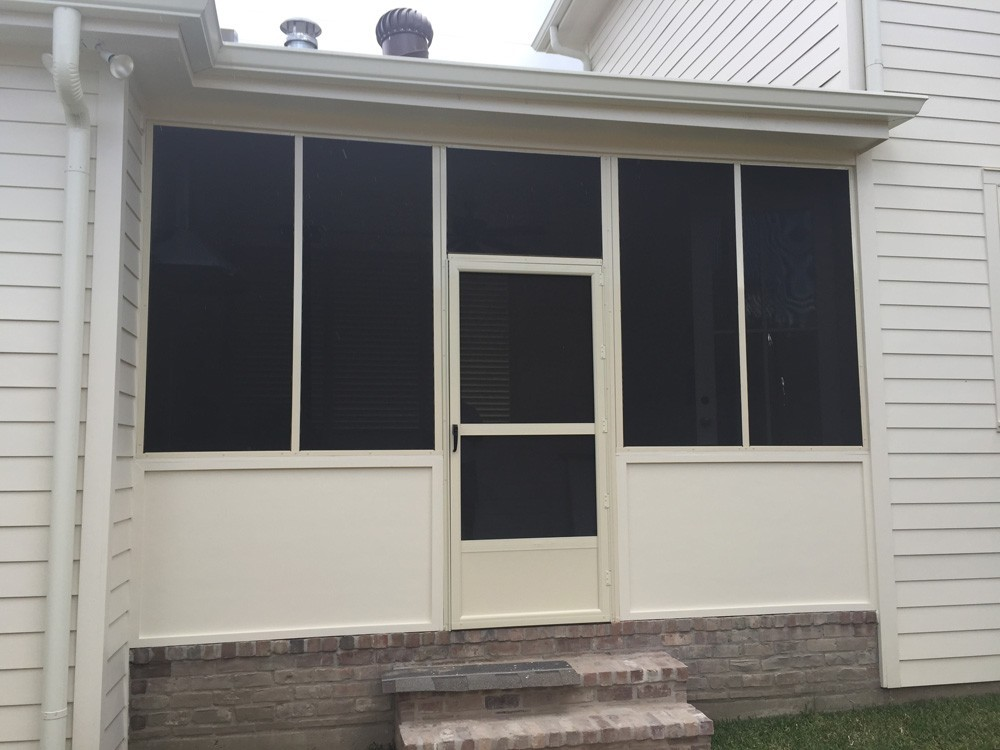 Screened Patio Enclosure With Door In New Orleans   Strong Shield