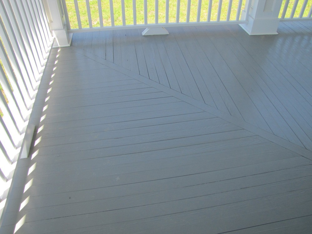 Porch corner plank pattern in New Orleans - Strong Shield