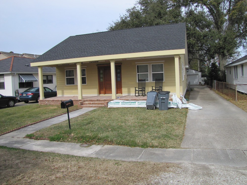 Metairie home siding repainted - Strong Shield