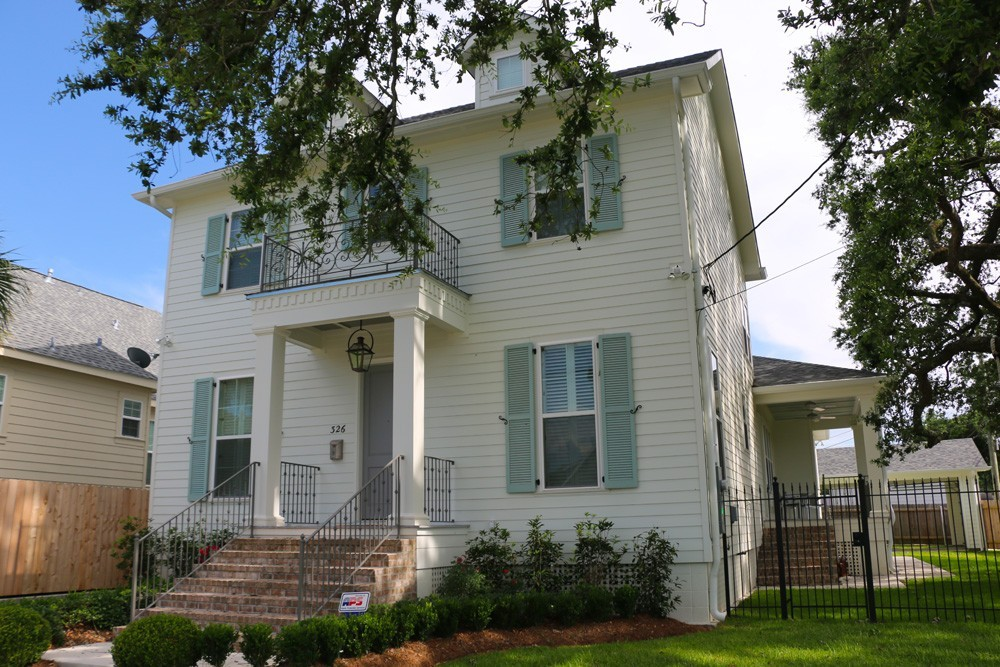 Traditional exterior paint colors for New Orleans home - Strong Shield